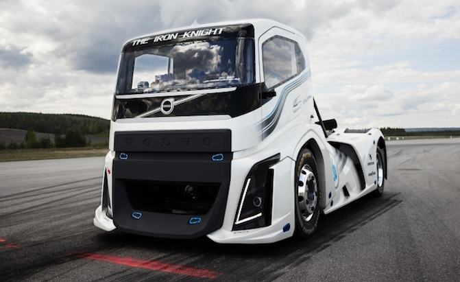 Volvo-Semi-Trucks